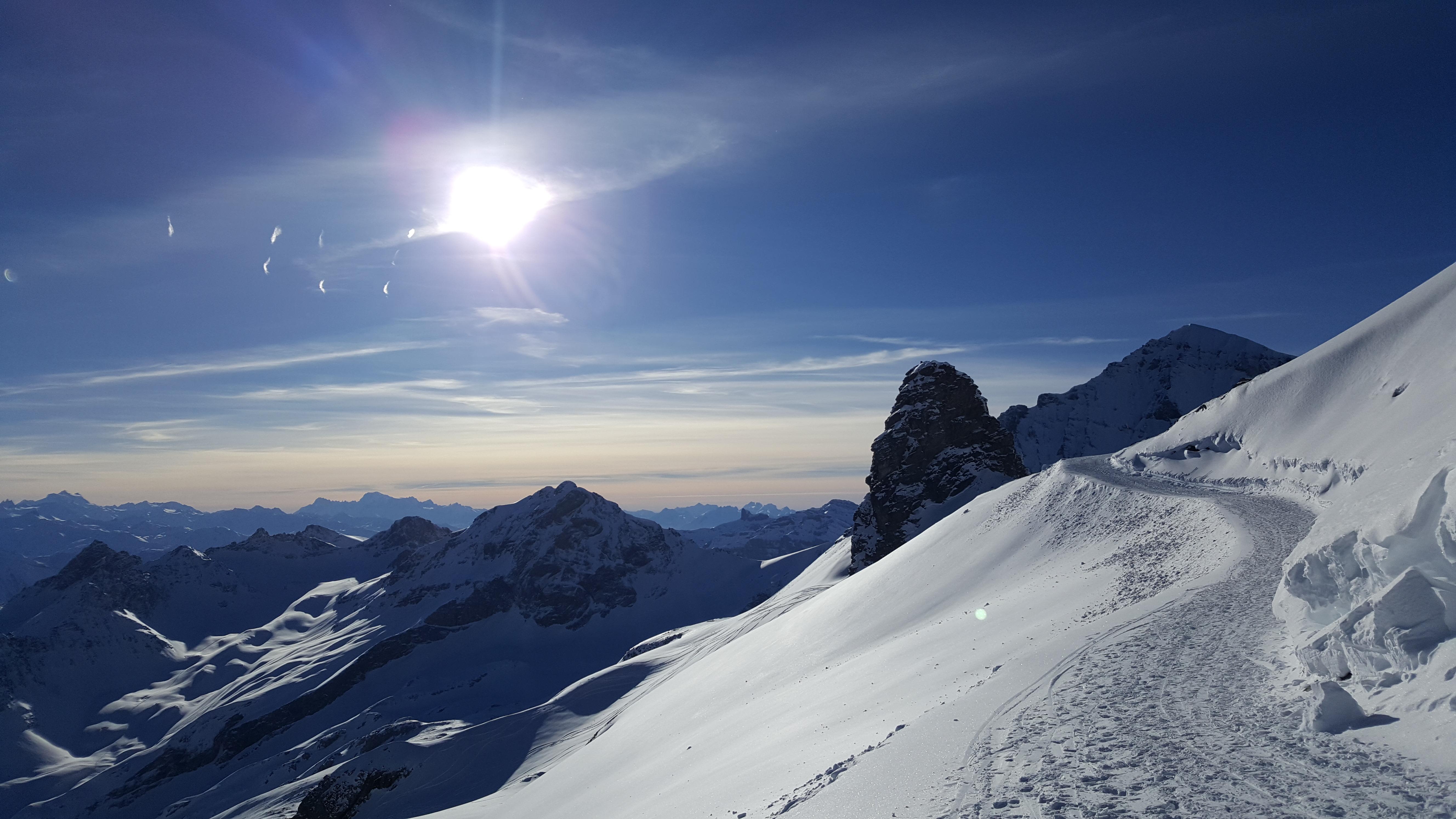 Zustieg Lötschenpasshütte Winterwanderer1